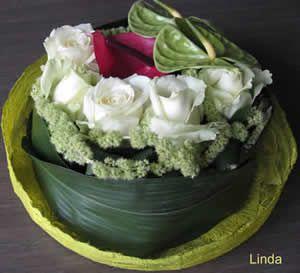 Tafelstuk maken met rozen en anthuriums - stap voor stap zelf een bloemstukje maken met rozen en Anthuriums