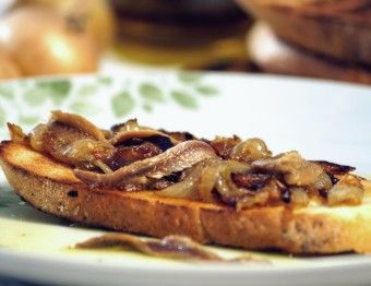Bruschetta with caramelized onion and anchovies