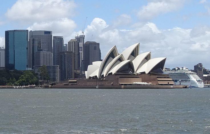 #Ópera de #Sidney, uno de los edificios más famosos del s.XX. #PatrimonioDeLaHumanidad desde 2007. http://www.reservarhotel.com/canada/hoteles-en-sydney/ #Australia #hotel #reservarhotel
