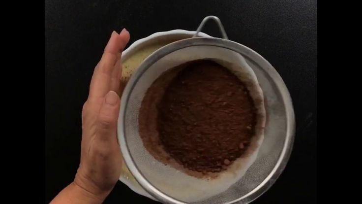Torta 1000 Crepes al Cioccolato e Mascarpone (Ricetta Facile e Veloce)