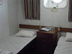 Twin cabin with window