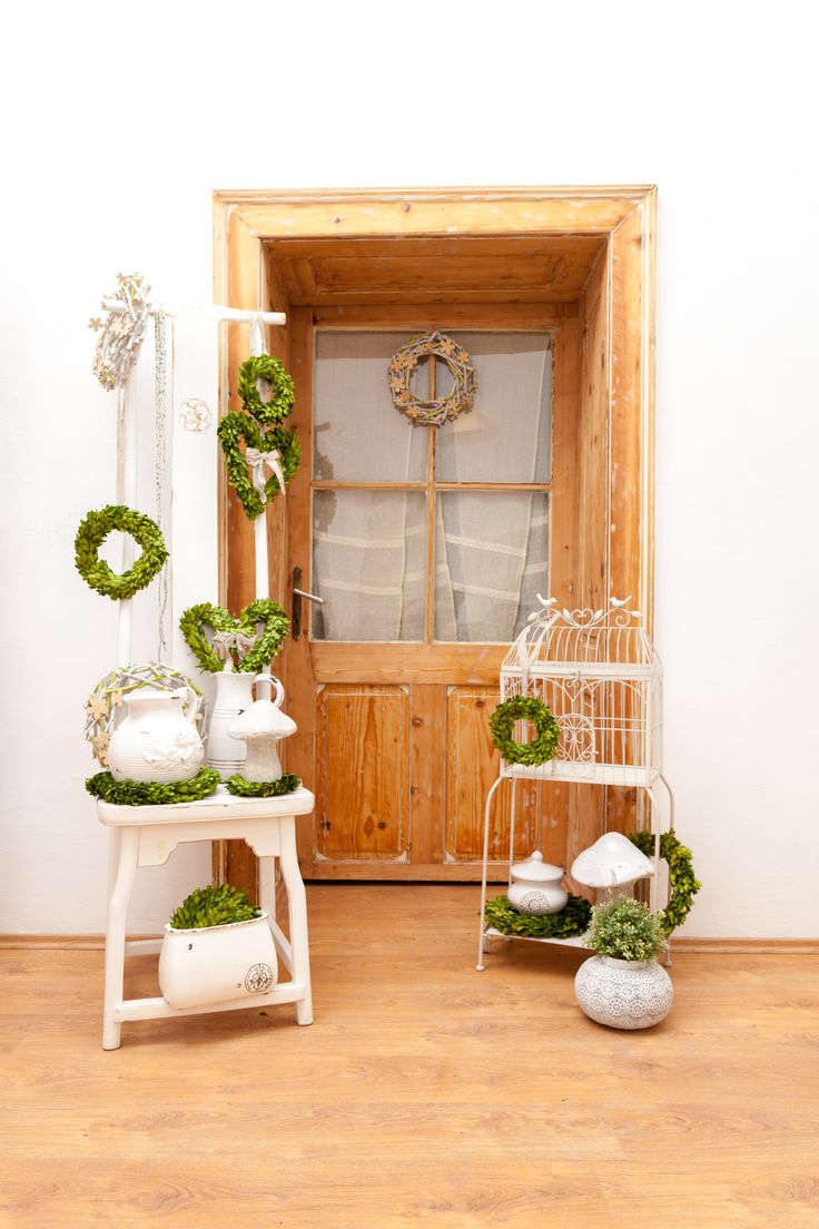 Beautiful leaf wreaths are waiting for you! Open the door! Let the flowers in!