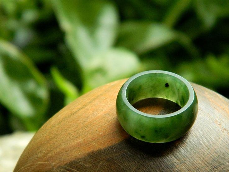 Jade Ring.  Yukon (Canada) Jade.  Carved by Aaron Brown.  #jade #ring