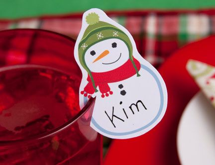 Christmas Placecards - These special Christmas placecards fit on the edge of a glass and add a unique decoration to the Christmas dinner table.