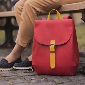 Женский красный кожаный рюкзак с отделением для ноутбука