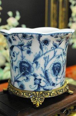 Chinês Porcelana Azul E Branca plantador Pote Base De Latão Envelhecido | Casa e jardim, Decoração para casa, Vasos | eBay!