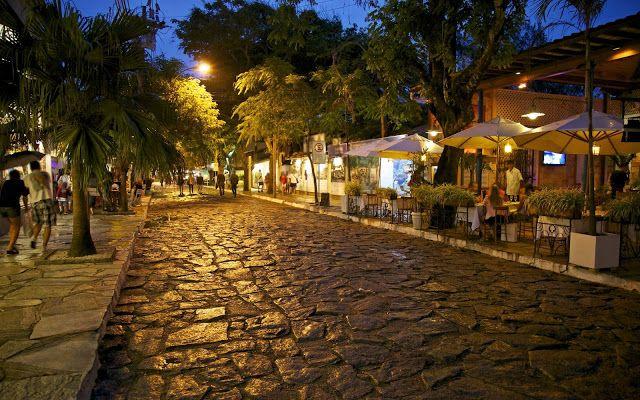 Rua das Pedras (Búzios, Rio de Janeiro, Brazil).