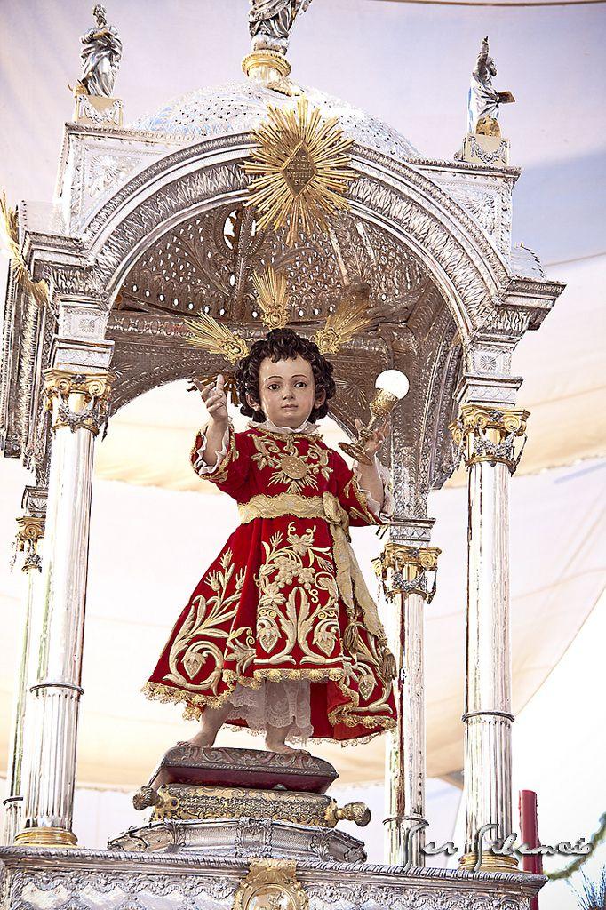 Niño Jesús de la Hermandad Sacramental de la parroquia del Sagrario de Sevilla. Fue tallado por Juan Martínez Montañés en 1606 y policromado por Gaspar de Ragis en 1607. Es uno de los nueve pasos que integra la procesión del Corpus Christi de Sevilla.