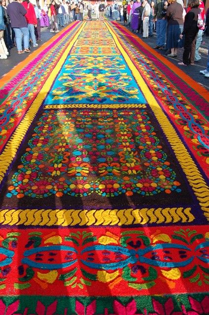 """""""Carpets"""" made of colored sawdust for Easter in Guatemala"""