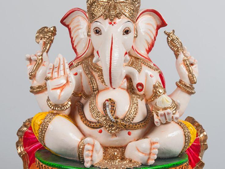 Deze mollige #god met de olifantenkop is #Ganesha, vaak aangeroepen door Hindoes. #GRRR