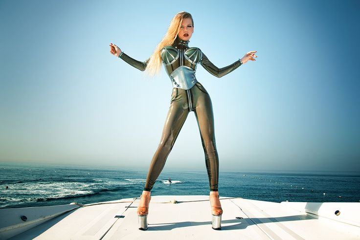 "Lady Estelle on Twitter: ""Auf die Knie, Sklave!  #LadyEstelle #mistress #госпожа #fetish #femdom #bdsm #rubber #latex #goddess #diva #goldenshower #scat #strapon https://t.co/B0xY6jsasN"""