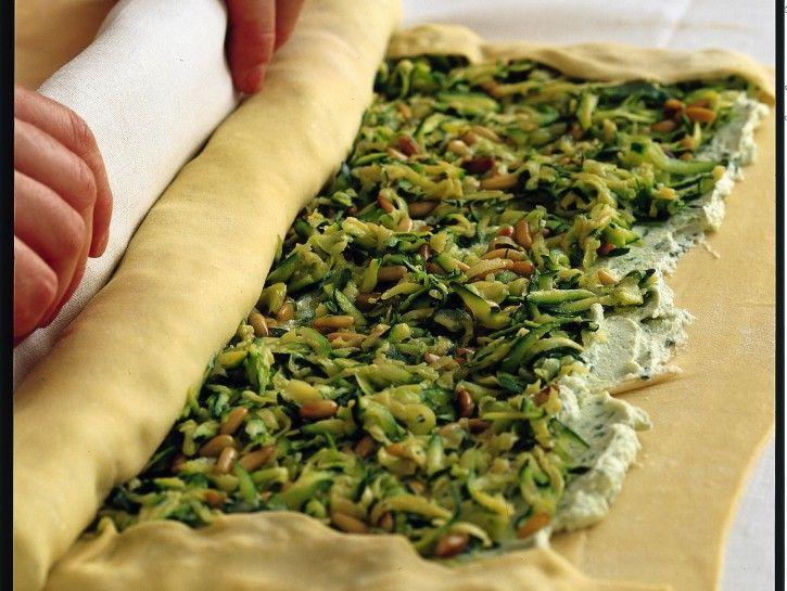 Ricetta Strudel di zucchine, ricotta e basilico | Donna Moderna
