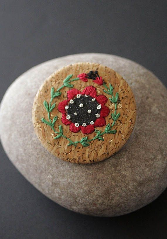 """Embroidered """"Poppy"""" brooch by MinaSmoke  #poppy #embroidered #broderie #embroideredjewelry"""