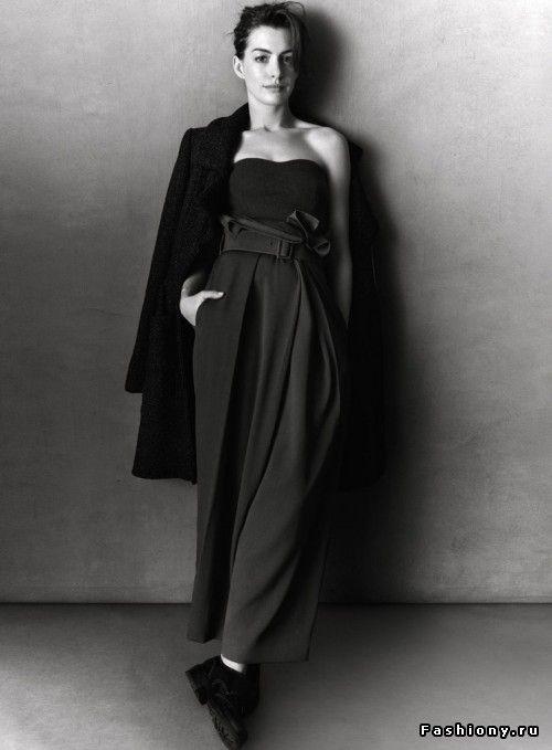 Черно-белая фотосессия Энн Хэтэуэй для InStyle