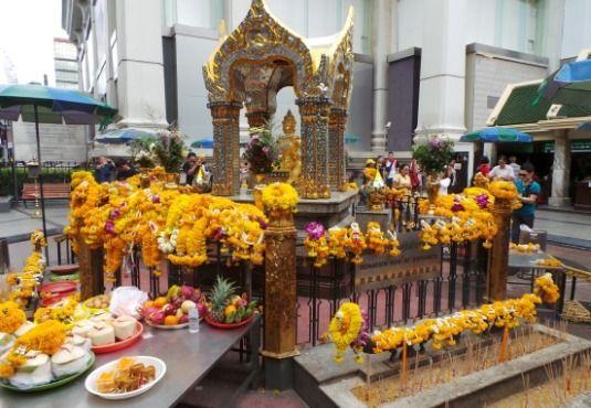 Το τέμπλο Εραουάν (ErawanShrine) στην Μπανγκόκ και ο Ινδουισμός στην Ταϊλάνδη _________________________ Του Γεωργίου Νικ. Σχορετσανίτη #travel #experience #Erawan_Shrine #Bangkok, #Thailand #hinduism  http://fractalart.gr/erawan-shrine/