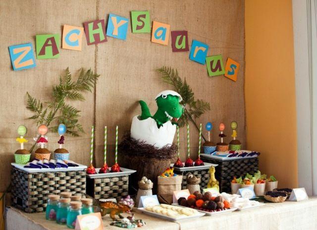 Inspiration pour une fête anniversaire de thème dinosaures