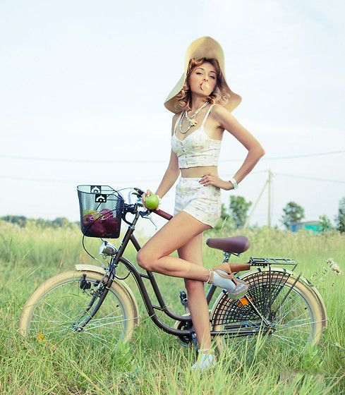 My-Bicycle-and-I. (by Mezhgalakticheskay Koshka) http://lookbook.nu/look/4084660-My-Bicycle-and-I