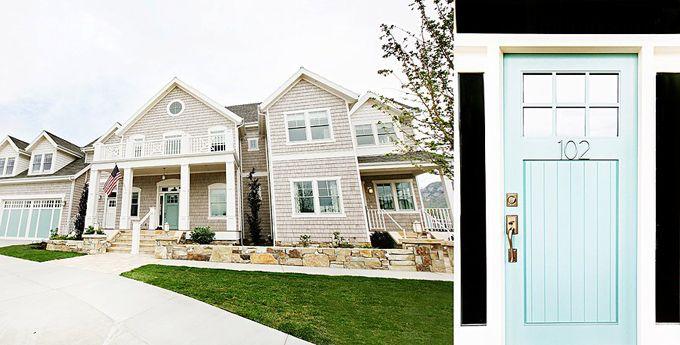 Dreamy front door!: Houses Colors, Dreams Home, Blue Doors, Dream Homes, Garage Doors, Exterior Colors, Front Doors, Colors Schemes, Doors Colors