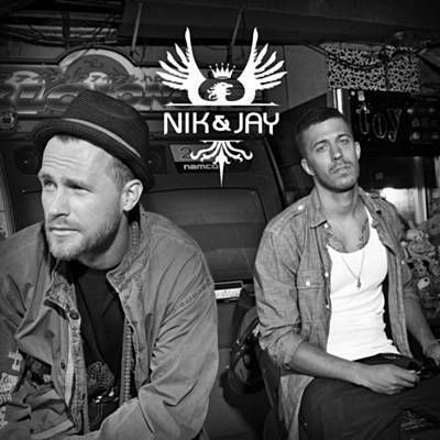 Found Gi' Mig Dine Tanker by Nik & Jay with Shazam, have a listen: http://www.shazam.com/discover/track/53444239