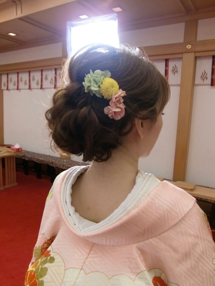 生花いっぱいの和装の前撮り at のの の結婚式 |City Wedding 大阪 梅田、京都、神戸 ブライダルヘアメイク出張 ☆ヘアメイクアーティストモリの美女採集                                                                                                                                                                                 もっと見る