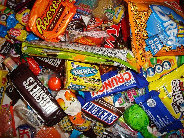 Arturo Diaz. Habia dulces en la bolsa que les dio el conductor de tren.