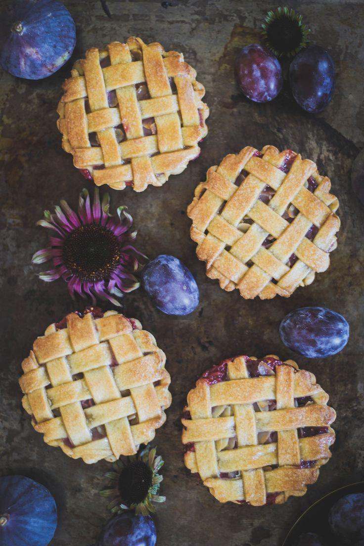RECETTE Tartelettes figues quetsches amandes {vegan} #tartelettes #tarte #figue #prune #quetsche #amande #vegan #pie #fig #plum #almond #food #photography #foodphotography