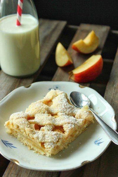 Gedeckter Apfelkuchen vom Blech Rezept Leckeres Rezept für einen gedeckten Apfelkuchen vom Backblech oder für eine Tarteform.
