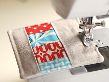 I need some coasters...this'll be a great beginning sewing/quilting project