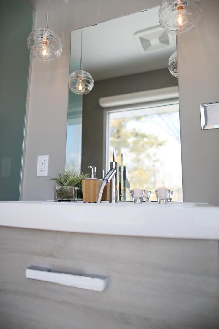Современный смеситель и аксессуары для вашей ванной комнаты. #смеситель_для_раковины #аксессуары_в_ванную