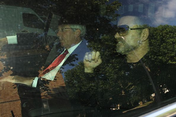 George Michael Photos Photos - George Michael arrives at the Highbury Corner Magistrates Court for his court hearing for being charged with driving offences. - Geroge Michael Goes to Court