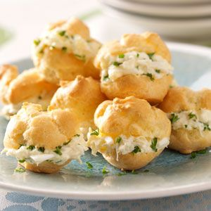 Party Crab Puffs Recipe. Here;s the surprising facts....Nutritional Facts 1 crab puff equals 30 calories, 2 g fat (1 g saturated fat), 23 mg cholesterol, 32 mg sodium, 1 g carbohydrate, trace fiber, 1 g protein.
