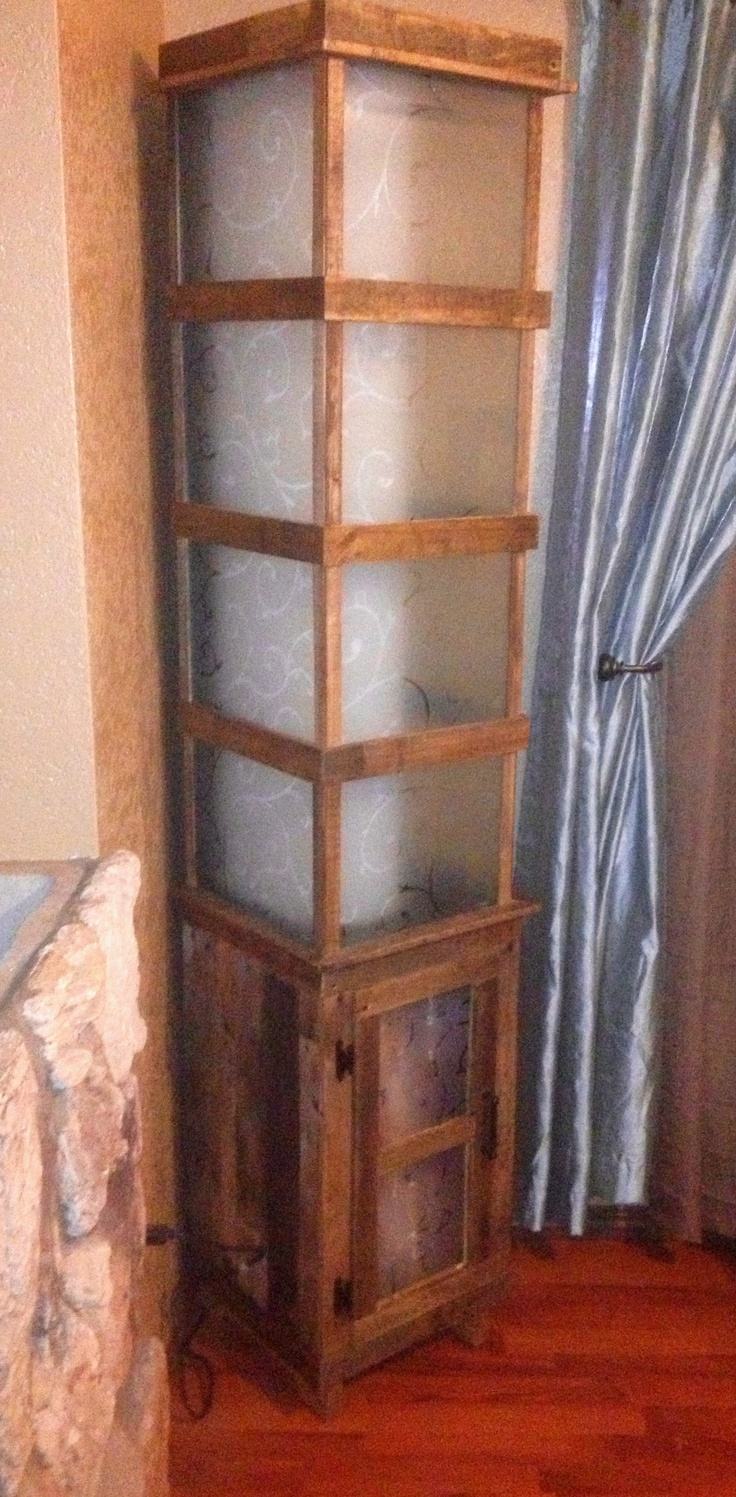 Pallet wood lamp / pallet furniture