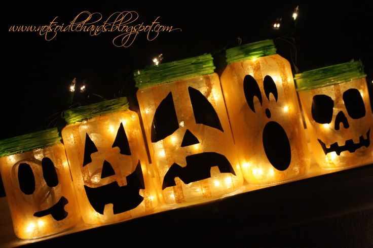 Jack O'Lanterns that won't go bad!: Idea, Decor Tips, Halloween Pumpkin, Glasses Jars, Jack O' Lanterns, Mason Jars, Cubs Scouts, Paintings Jars, Outdoor Halloween Decor