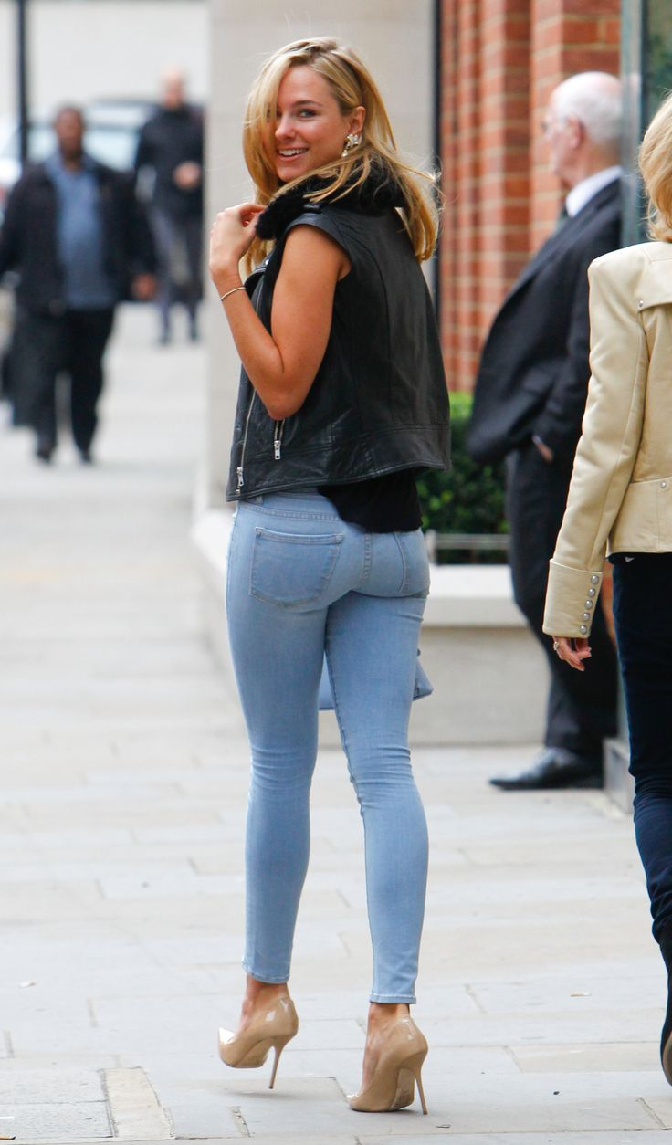 Celeb Ass In Jeans 5