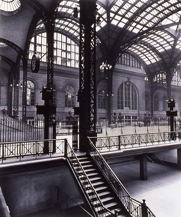 """Berenice Abbott, """"Pennsylvania Station"""" (1936)"""