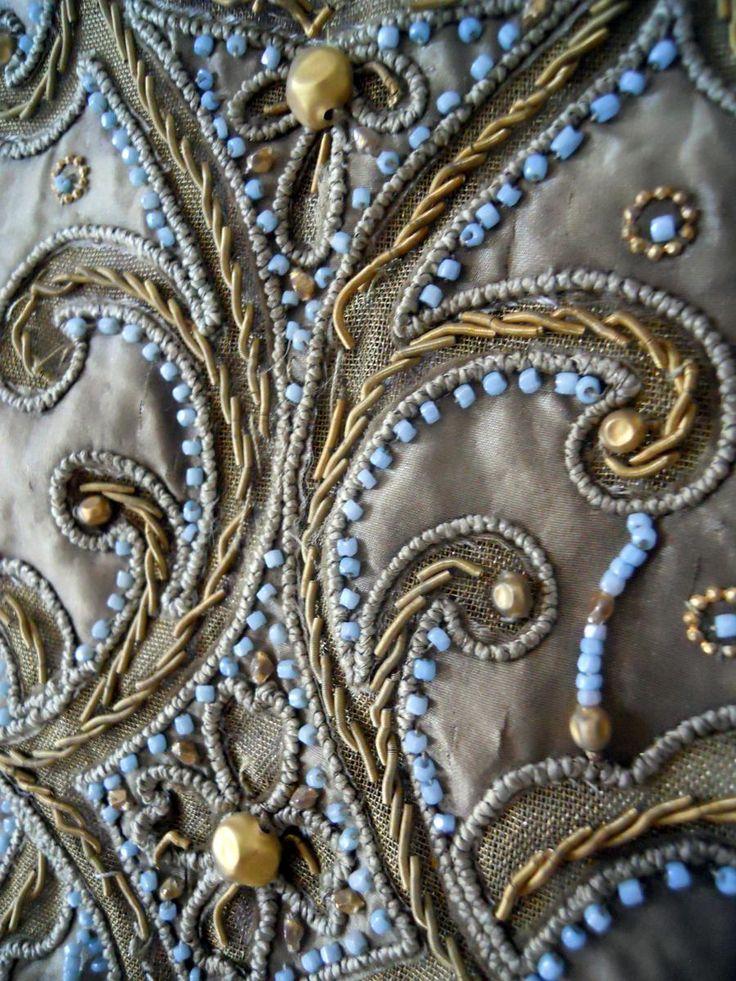 17 best images about la broderie de luneville on pinterest elsa schiaparelli chanel couture. Black Bedroom Furniture Sets. Home Design Ideas