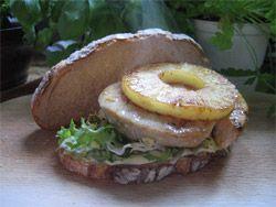 Sandwich Aloha Un sandwich aux accents hawaïens, à déguster un jour de canicule... - See more at: http://www.club-sandwich.net/recettes/sandwich-aloha-186.php#sthash.0N2gNrTX.dpuf