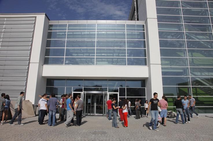 İktisadi ve İdari Bilimler Fakültesi Binası - Giriş