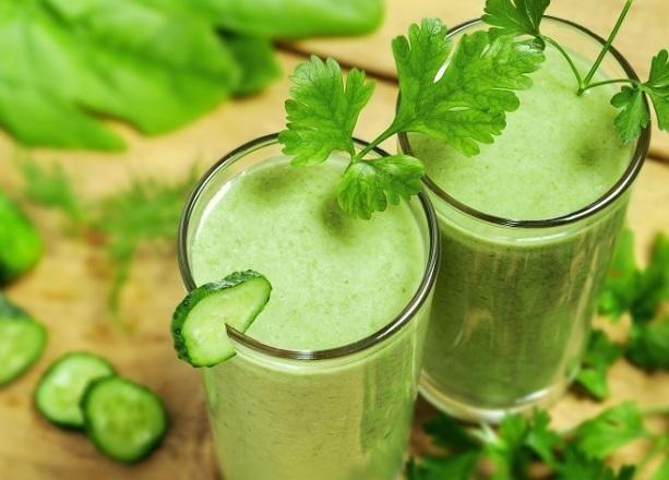 Οι περισσότεροι από εμάς επειδη δεν τρώμε αρκετά πράσινα λαχανικα, ταsmoothieείναι ένας εγγυημένος και εύκολο...