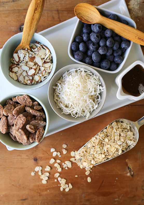 No-Cook Overnight Oatmeal // blueberry, nuts,  coconut, toppings