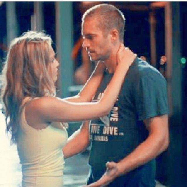 Paul Walker and Jessica Alba - Into the Blue