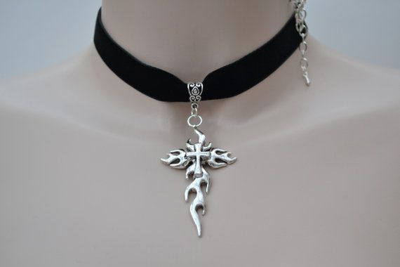 Grote vlam Kruis hanger - Black Velvet lint Choker ketting