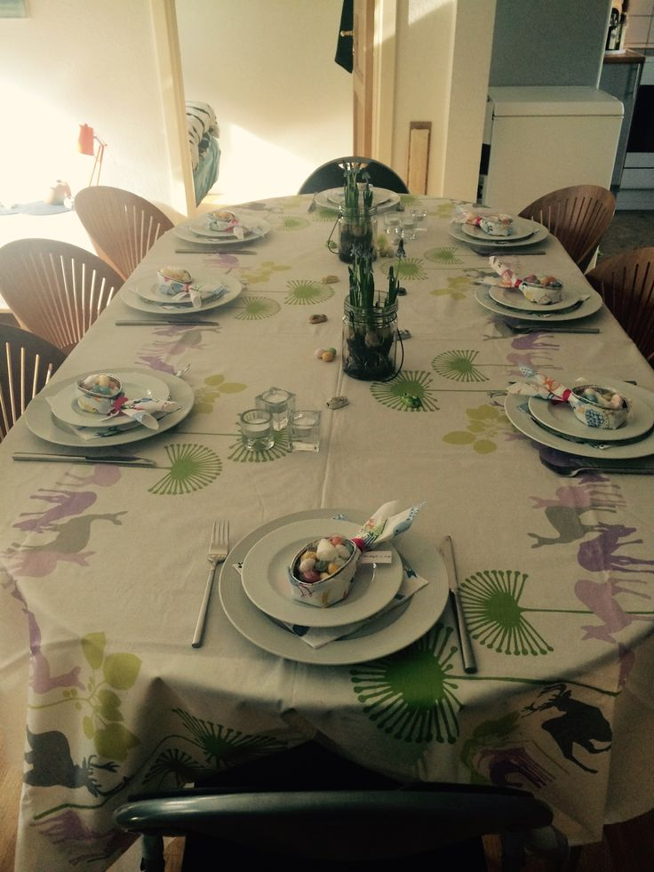 Easter-Party table