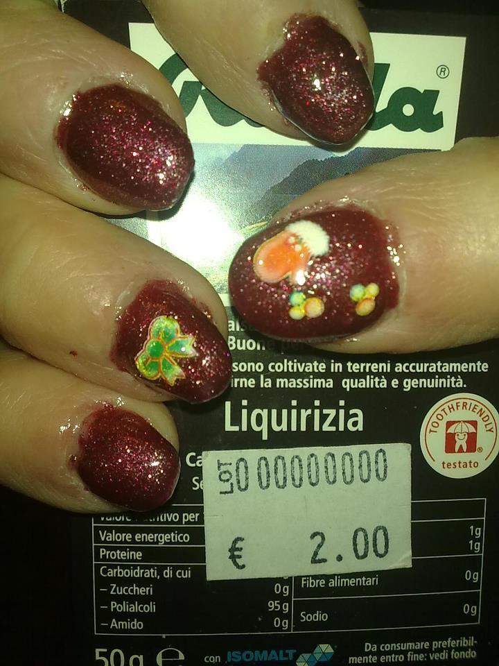 smalto rosso glitter super gettonato per le feste di natale di Enailstore pinned with Pinvolve