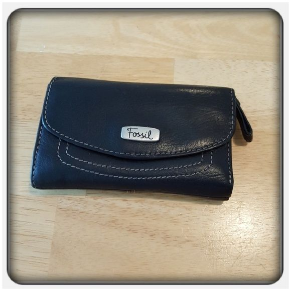 Fossil Handbags - Woman's Genuine Black Leather Fossil Wallet
