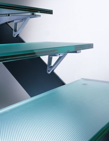 Non-slip glass steps for stairs