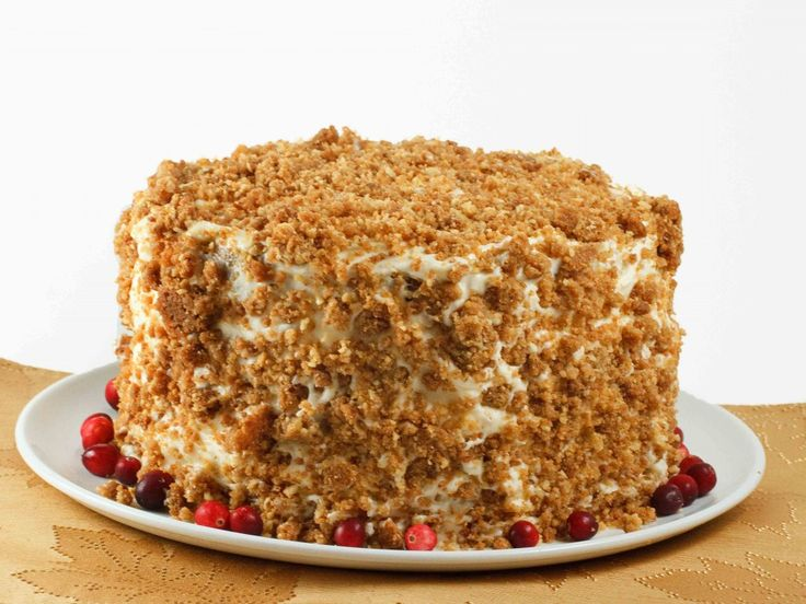When you think pumpkin you have to think of this incredible cake.  The perfect holiday tradition to begin with your family, Enjoy this Moist Pumpkin cake with a crunchy cookie layer, covered in a decadent cream cheese frosting!