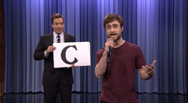 Guck an, Harry Potter Darsteller Daniel Radcliffe ist auch ein echter Sprachakrobat.  (Danke ...