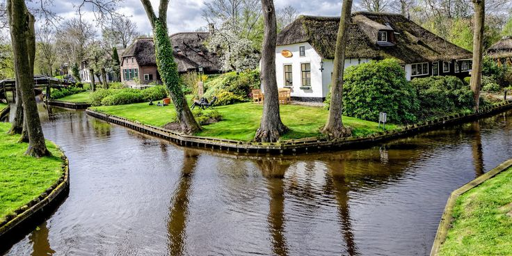 "With a population of only 2,600 and very little tourism, Giethoorn is the kind of picturesque, tranquil village most people can only dream of. Even its website says that ""the loudest sound you can normally hear is the quacking of a duck or the noise made by other birds."""