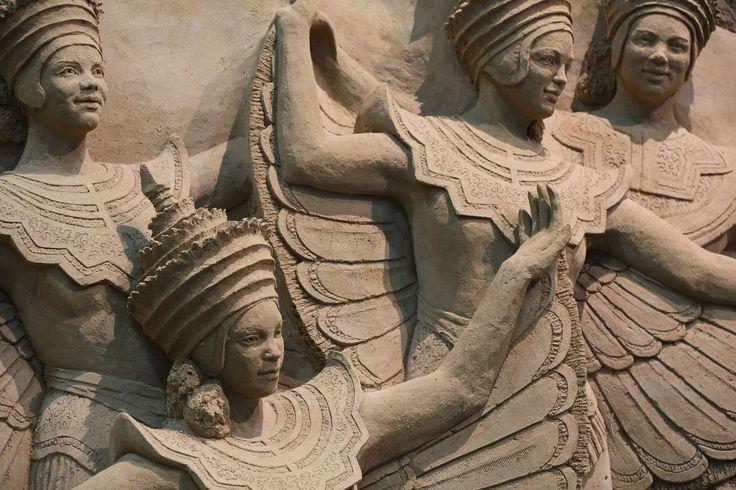 「鳥取砂丘 砂の美術館」